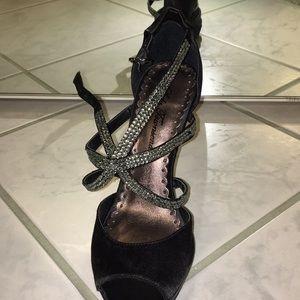 Sexy black straps heel